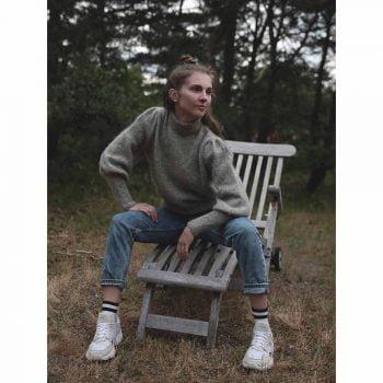 kjøp Strik no.52 fra nameless knitwear hos titt inn garn her